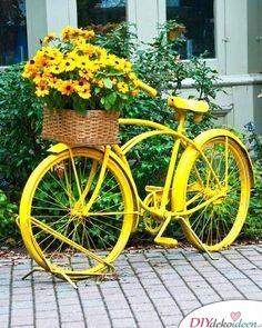 Frühlingsgartendeko – Fahrrad mit Blumenkorb