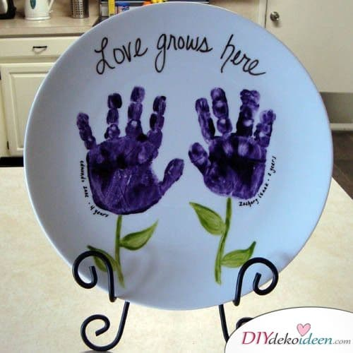 Bemalter Teller - Geschenk für Oma basteln