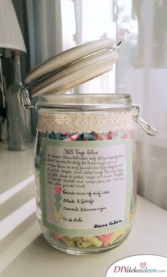 365-Tage-Glas - Geschenk für Freund zum Geburtstag