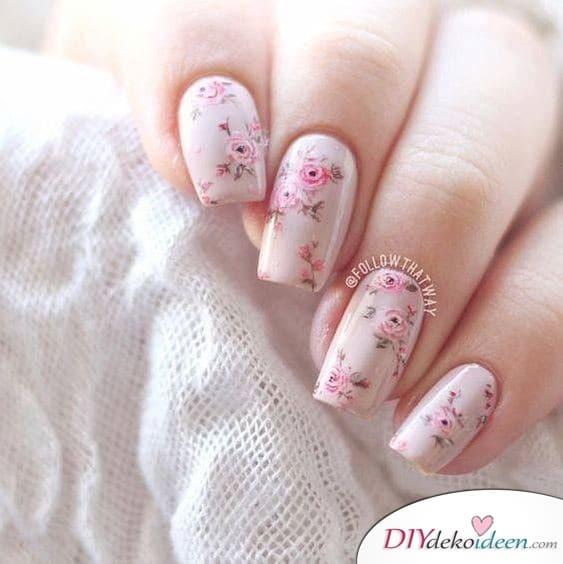 Romantische Rosen - Nageldesign für den Frühling