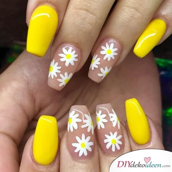 Fröhliche Gänseblümchen - Nageldesign für den Frühling