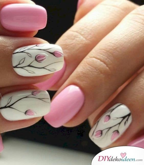Zarte Blüten - Nägel für den Frühling