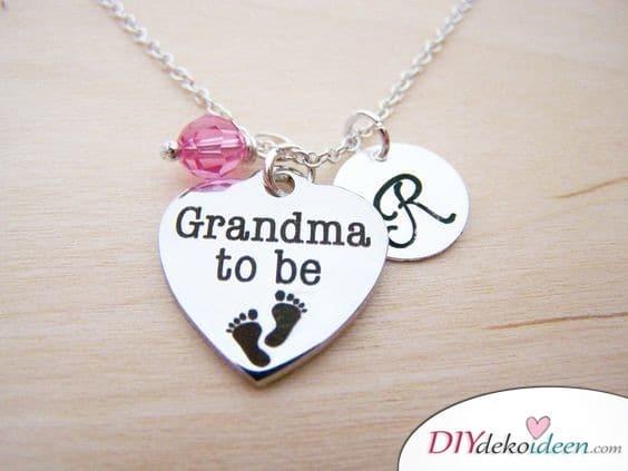 Oma in spe – Halskette für die werdende Großmutter