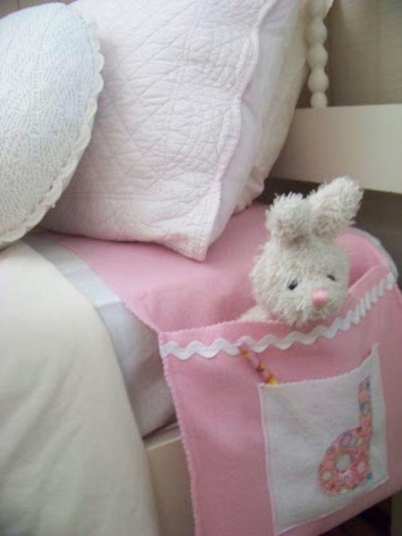 Kleine Geschenke für Kinder basteln – Stofftasche mit Monogramm fürs Bett