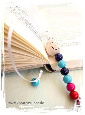 Lesezeichen Raupe - kleine Geschenke für Jungs basteln