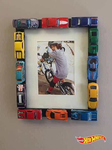 Spielzeugauto-Bilderrahmen - Geschenk für den Bruder selber machen