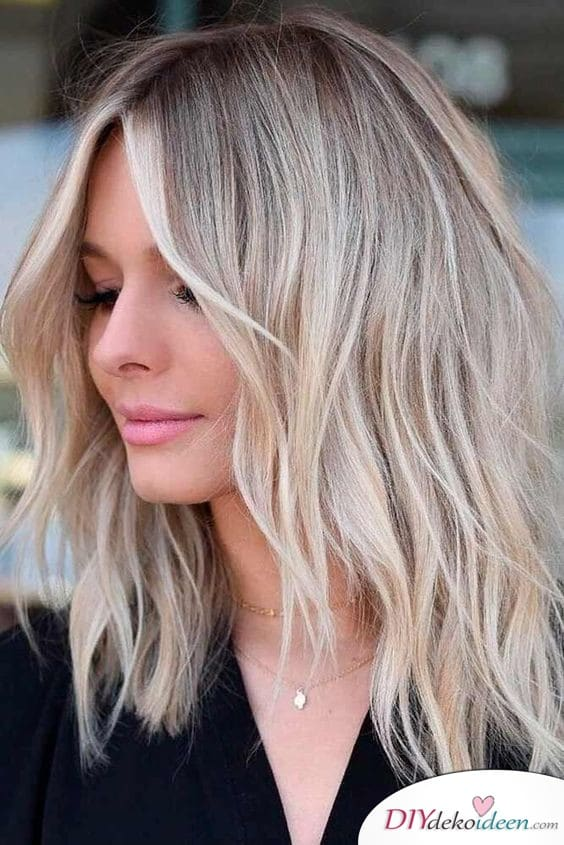 Half-length hair with step-section - Hairstyles for thin hair