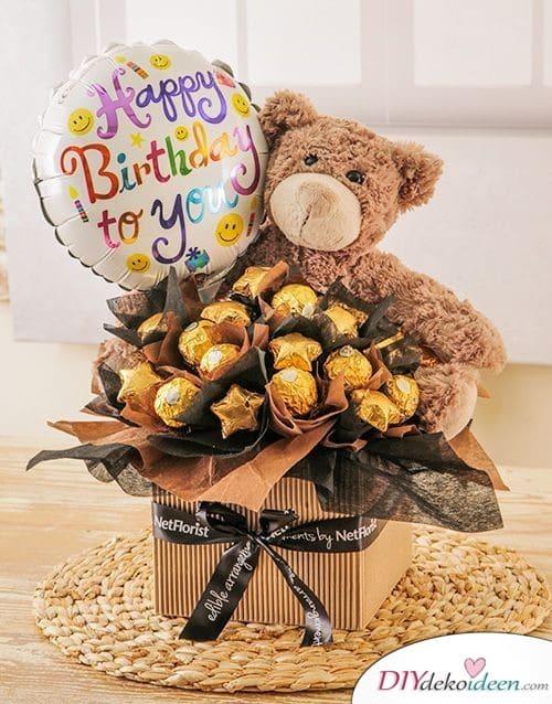 Pralinenstrauß mit Teddy - Geschenke für Frauen zum Geburtstag selber machen