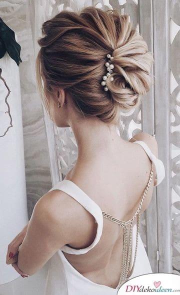 Elegante Hochsteckfrisur für Hochzeiten