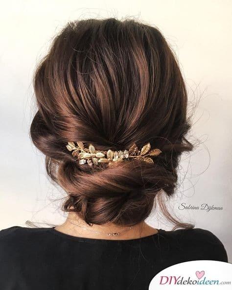 Dutt im Nacken - Hochzeitsfrisuren für mittellanges Haar