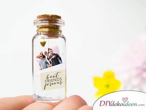 Kleines Gläschen mit Foto - kreatives Geschenk für die beste Freundin