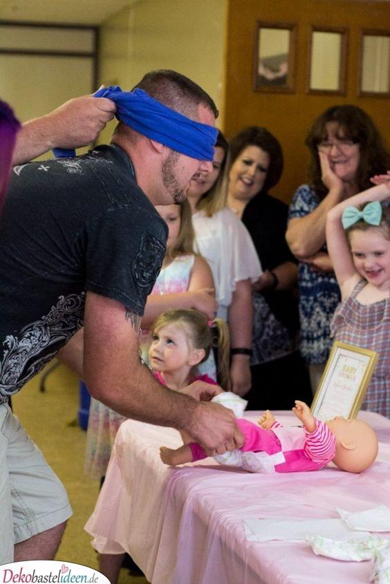 Windeln wechseln - Baby Shower Party Spiele
