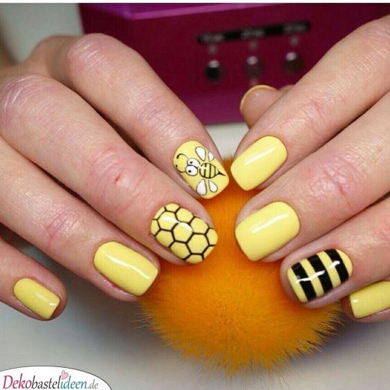 Bienen-Nägel – Maniküre Ideen