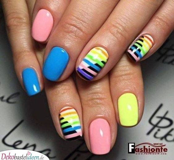 Summer Nails in Rainbow Colors
