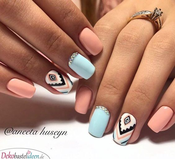 Summer nail with ethnic pattern