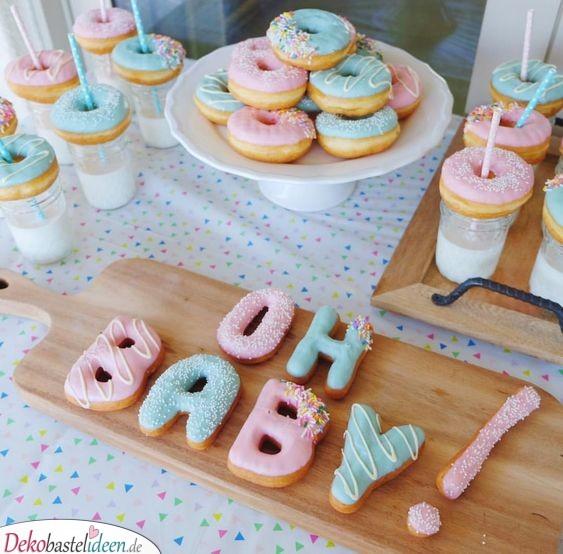Essen für Babyparty – Buchstaben-Donuts