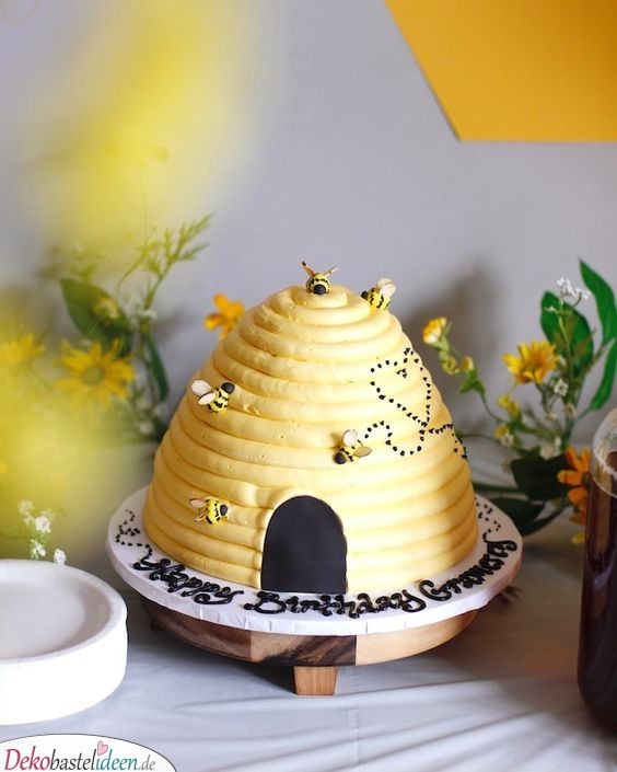 Bienenstock-Torte - Kuchen für Babyparty