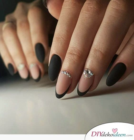 Mattes Rosa and Schwarz - French Nails Ideas