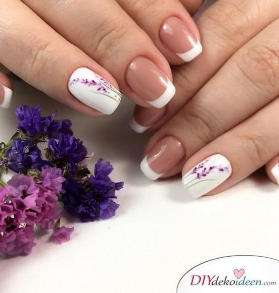 Lieblicher Lavendel - Französische Maniküre