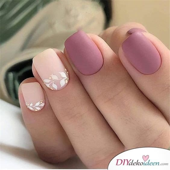 A wonderful look in Rosatönen - Nail design for short nails