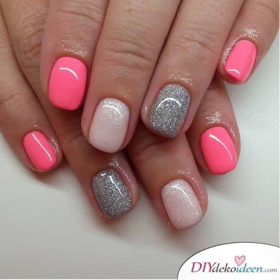 Strahlendes Pink - kurze Nägel lackieren