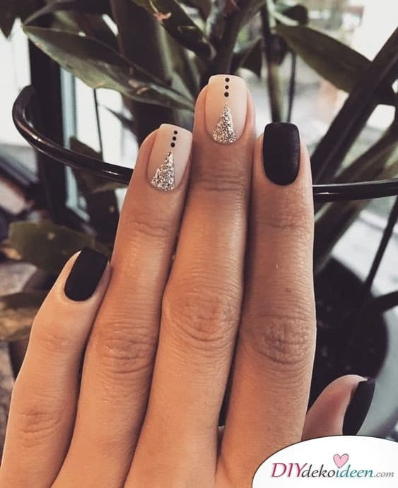 Creative and cool nail designs for short nails