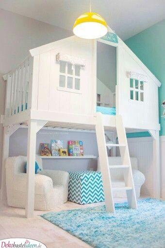 Ein Spielhaus im Kinderzimmer