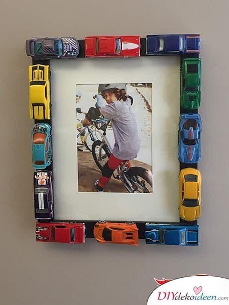 Bilderrahmen aus Autos - Geschenk für den kleinen Bruder