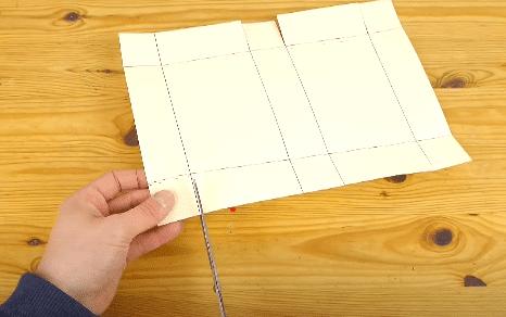 C:\Users\Julia\Copywrighting Aufträge\DIY Projekt\Schneiden Papier.png