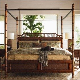 Island Canopy Beds