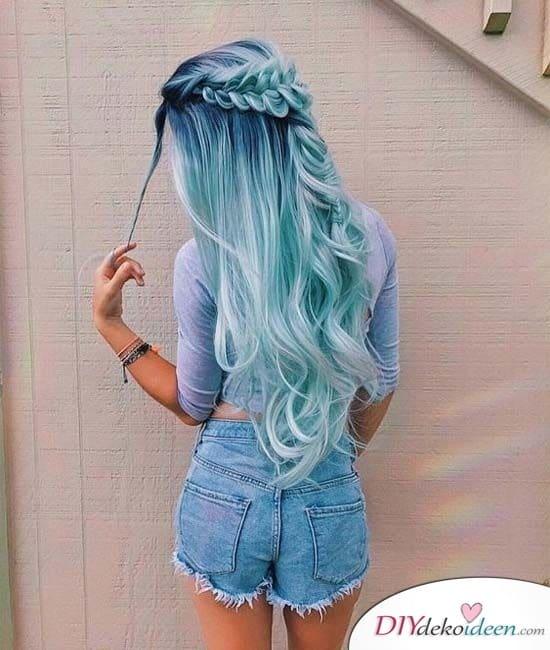 Eine Mischung aus Blau - Einzigartige Haarfarben mit Sommerfrisuren