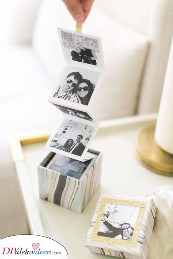 Eine kleine Schachtel mit Fotos - Besondere Geschenkideen für Männer