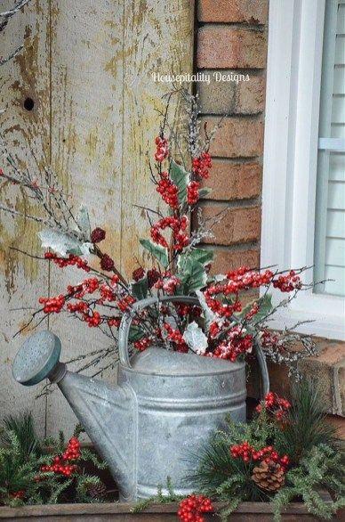 Eine Gießkanne - weihnachtsdeko für draussen