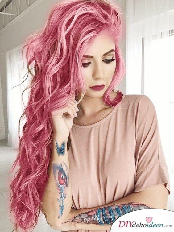 Ein vibrantes Pink – Sommerfrisuren