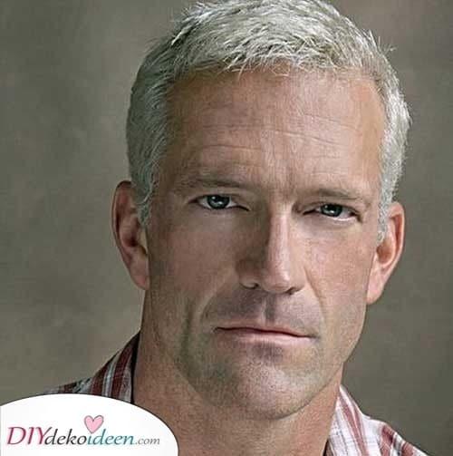 Kurz und stilvoll - Kurze Haarschnitte für ältere Männer