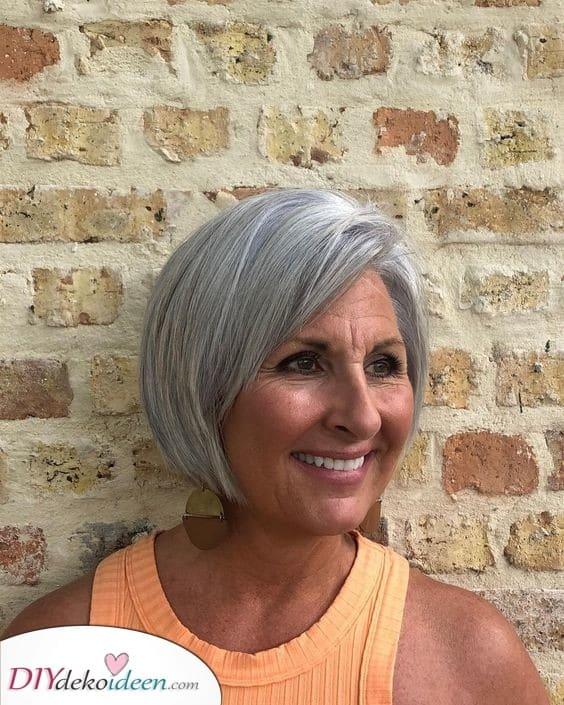 Ein einfacher Bob - Peppige Frisuren für Frauen ab 50