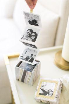 Eine kleine Schachtel mit Fotos - Weihnachtsgeschenk ideen den für Freund