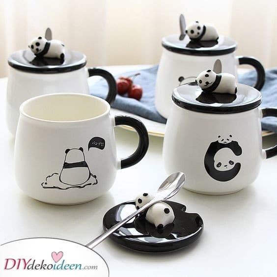 Panda-Tassen - Lustige Geschenke für Frauen selber machen