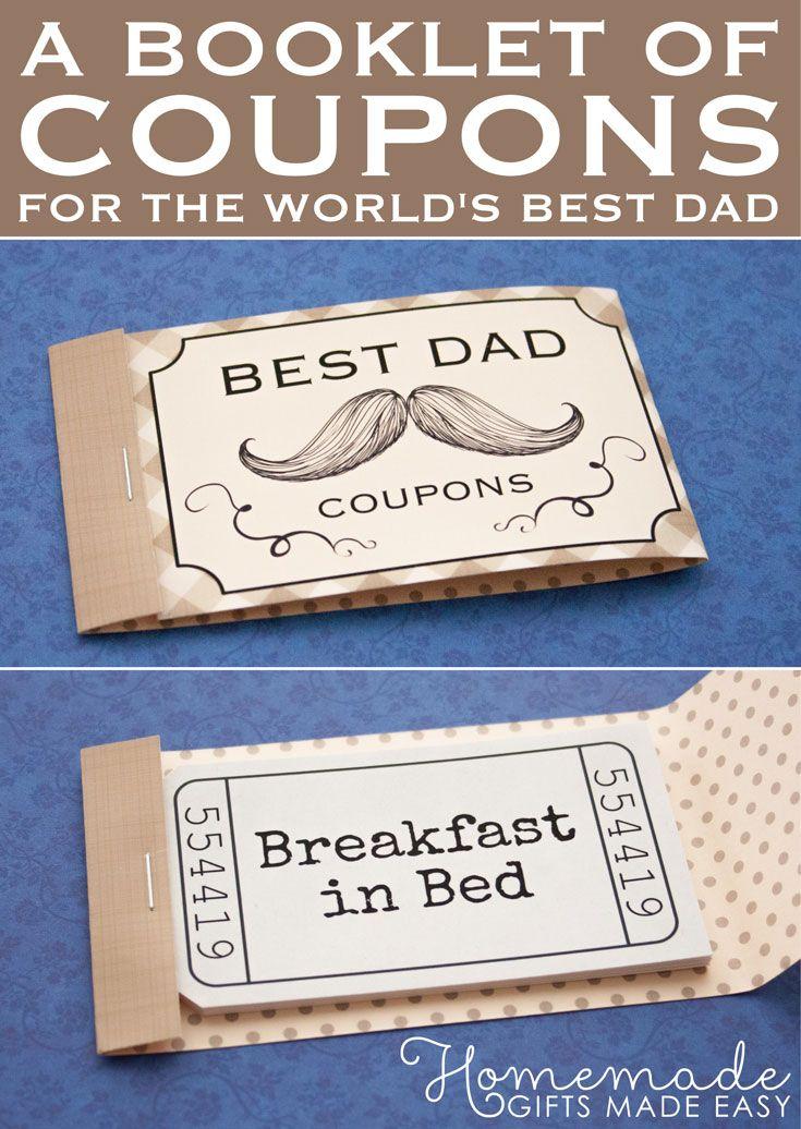 Eine Broschüre mit Gutscheinen – Weihnachtsgeschenke für den Papa