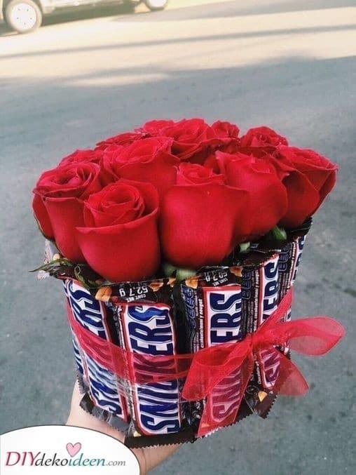 Ein leckeres Bouquet - Pralinen und Rosen