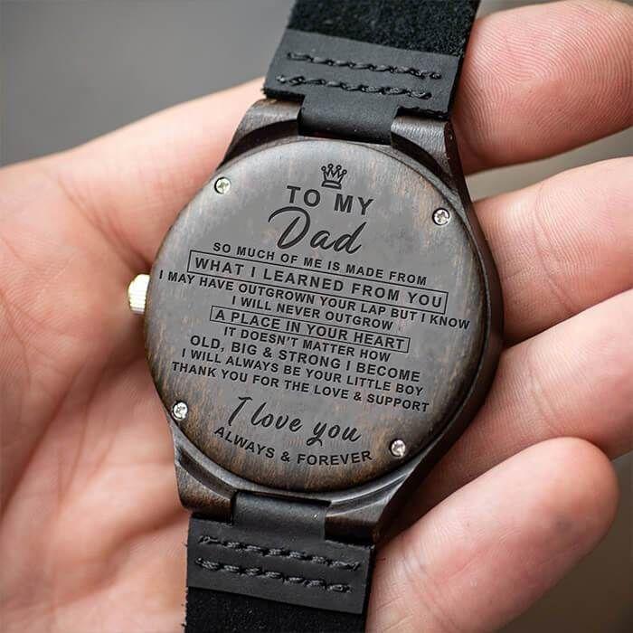 Eine gravierte Uhr - Nachricht für Ihren Vater