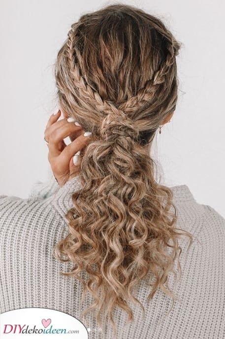 Schöne Zöpfe - Erstaunliche Frisuren für Mädchen die lockige Haare haben
