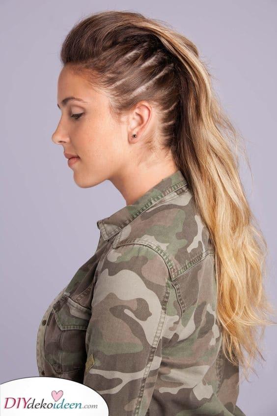 Trauen Sie sich etwas neues – Frauen mit langen Haaren