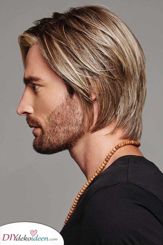 Zurück in die Neunziger – Herren langer geschichteter Haarschnitt