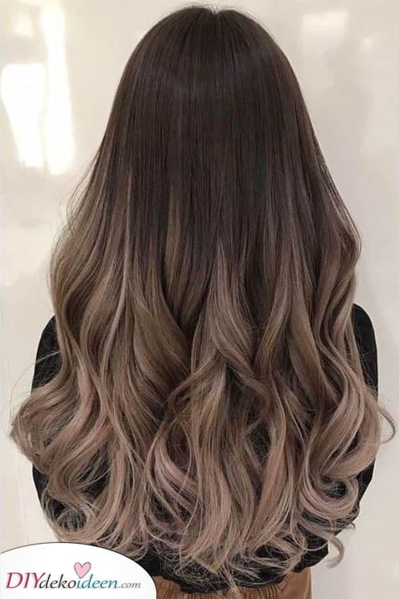 Ein Ombre – Lockige Frisuren für Frauen