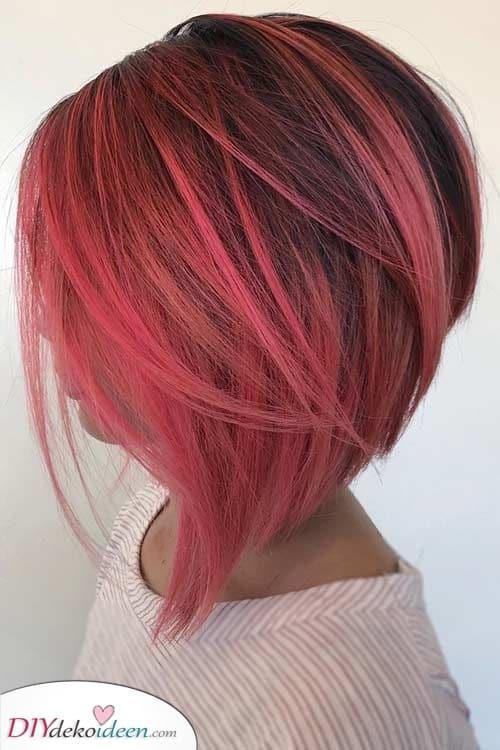 Lebendig und fabelhaft – Kurzes gefärbtes Haar