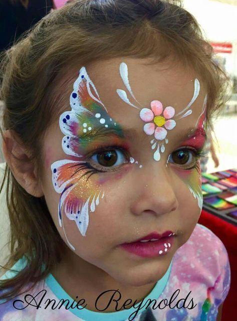 Schmetterling schminken – Kinder schminken mit Regenbogenflügeln