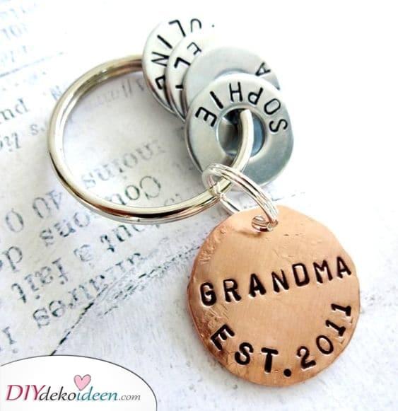 Enkel Schlüsselanhänger – Geschenkideen für Oma zum Geburtstag