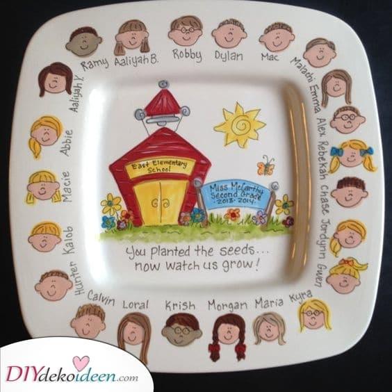 Handbemalter Teller – Mit all den Kindern zusammen