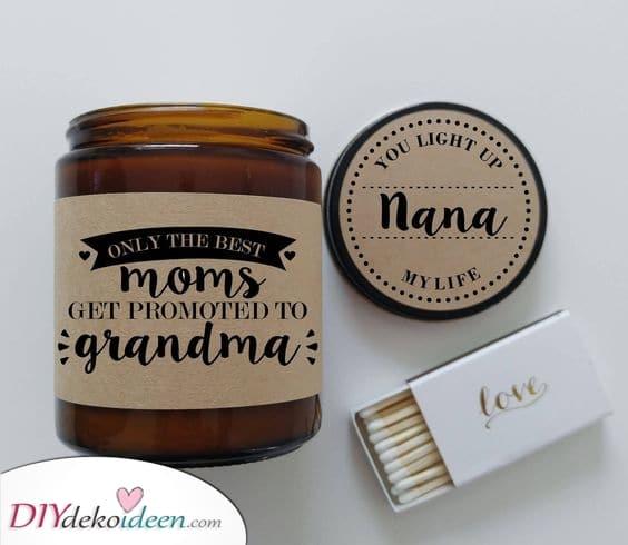 Eine personalisierte Kerze – Geschenkideen für Oma zum Geburtstag